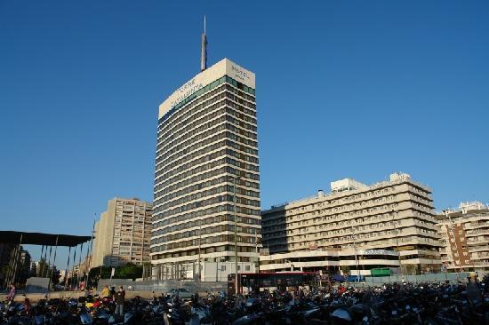 Gran Hotel Torre Catalunya Am Frühen Abend