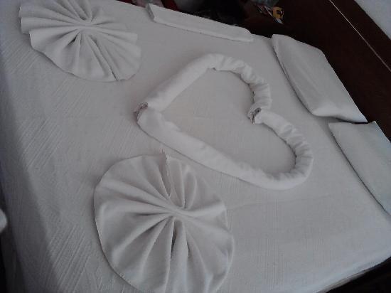 Hotel Letoon: how romantic is this housekeeping!