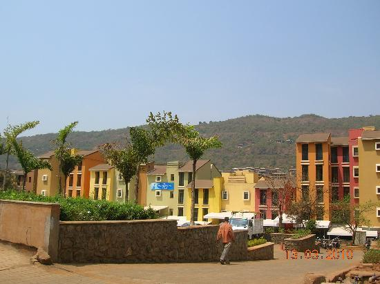 The Waterfront Shaw, Lavasa: The hotel ...