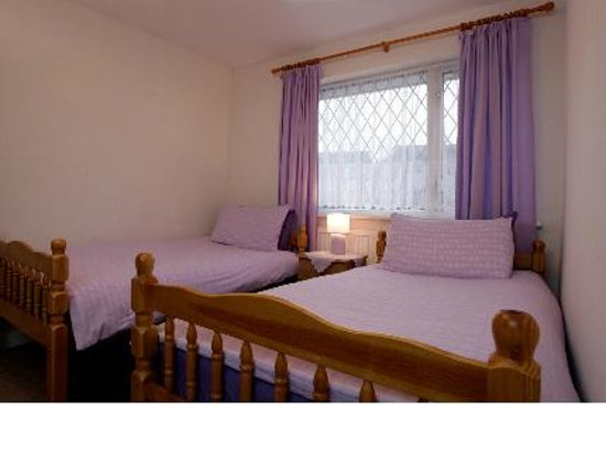 Bolton, UK: Archangelos House Twin Bedroom