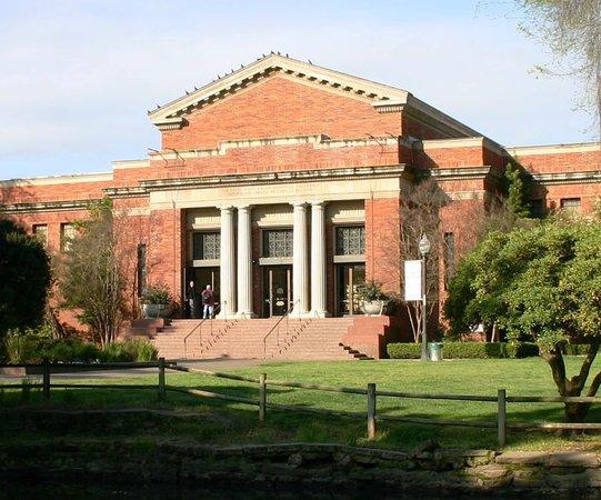 Stockton, CA: The Haggin Museum