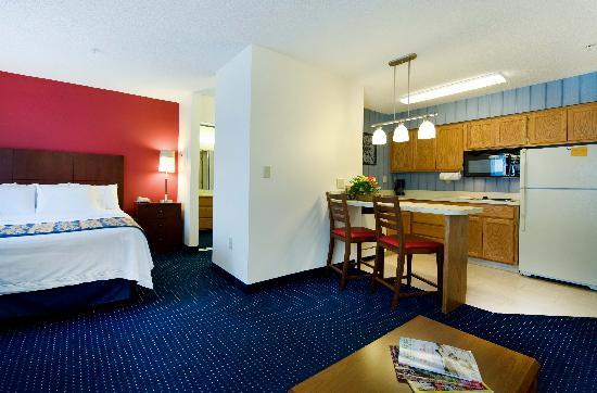 Residence Inn Wilmington Landfall: Every guest room offers a fully equipped kitchen - including a full size fridge.