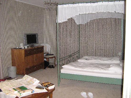 Burghotel: Bedroom no. 8