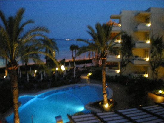 Vanity Hotel Golf: Evening Outlook