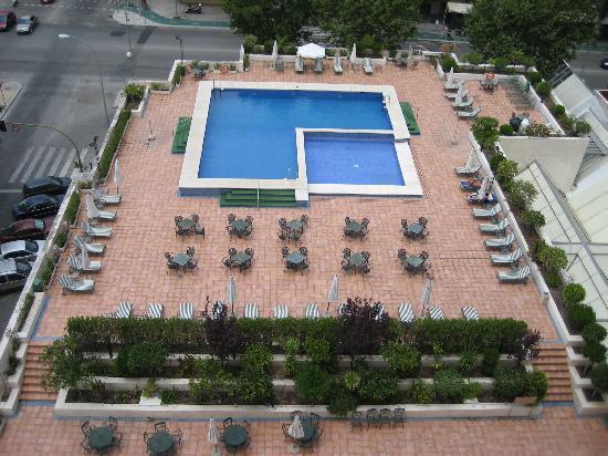 Piscina picture of melia sevilla seville tripadvisor for Piscina melia lebreros sevilla