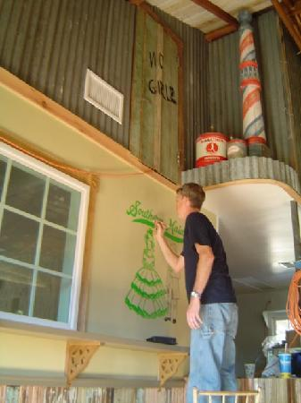 Roy T's Old Salado Bakery: Painting the  Southern Maid