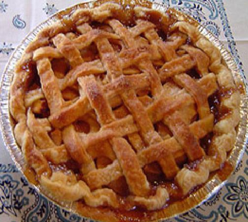 Roy T's Old Salado Bakery: Apple Pie