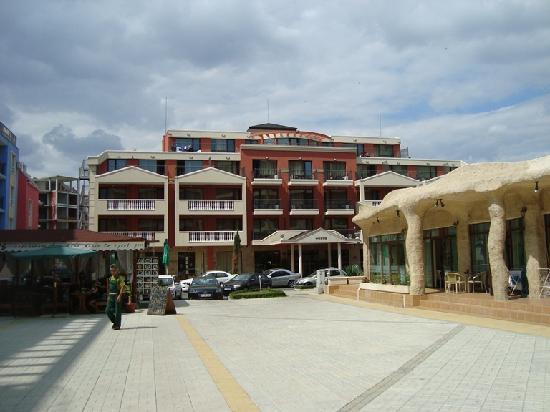 Forum Hotel: the hotel