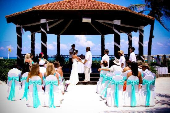 wedding gazebo - Picture of Hilton Playa del Carmen, an All