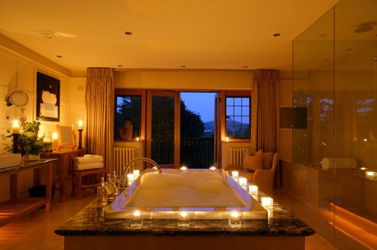 Gidleigh Park Hotel: Spa Suite bathroom