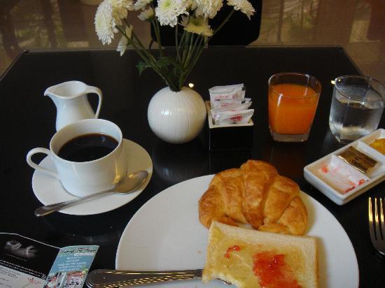 Portico 21: same breakfast for 2 days