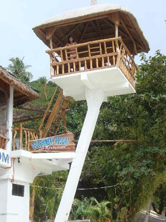 Dolphinbay Beachfront  & Dive Resort: Unusual restaurant table, if you could get up there!