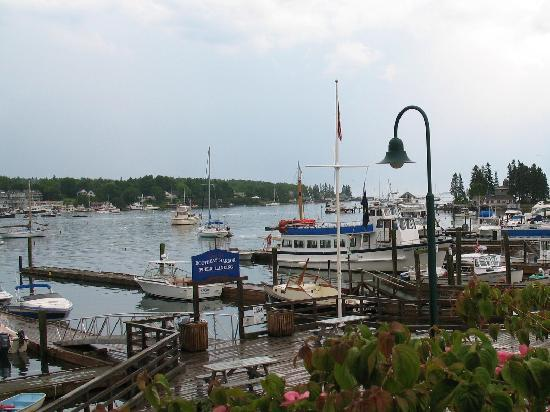 ‪بووثباي هاربور, ‪Maine‬: Boothbay Harbor scene June 2010‬