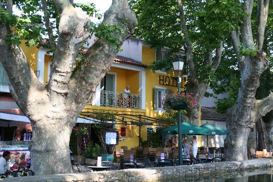 HOTEL DE L'ETANG : Hotel Cucuron