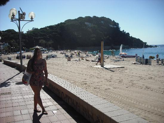 H·TOP Royal Beach: The fantastic beach 2 mins walk from the hotel