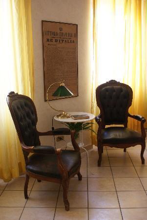 Il Tempietto Bed & Breakfast: Il salone zona letture