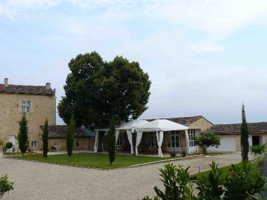 Chateau Isabeau de Naujan: Pour prendre l'apéritif