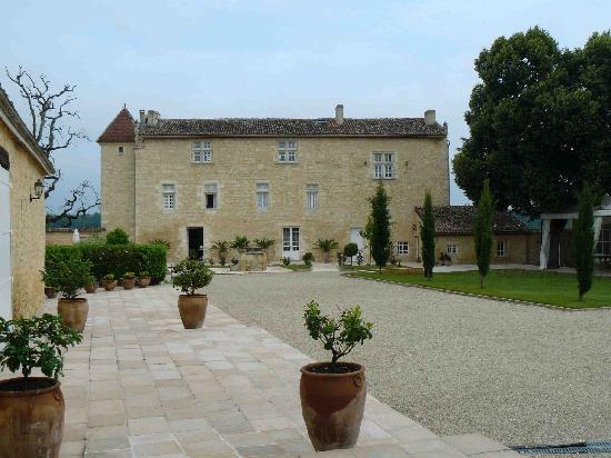 Chateau Isabeau de Naujan: Les chambres et le restaurant