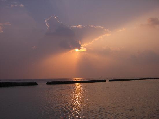 Kuramathi: herrliche Sonnenuntergänge