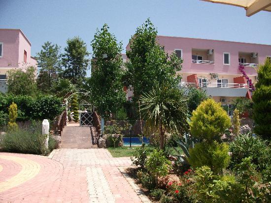 Club Mermaid Village: View in village