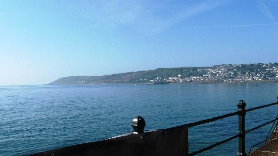 Пензанс, UK: Looking from Promenade in Penzance