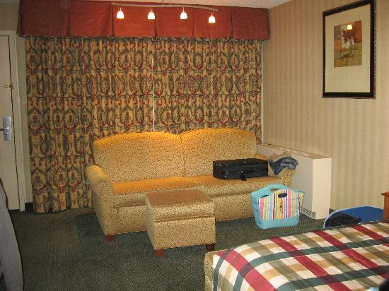 Red Lion Inn & Suites Missoula: sofa