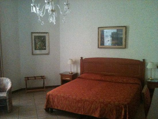 B&B Hotel Trieste: camera matrimoniale