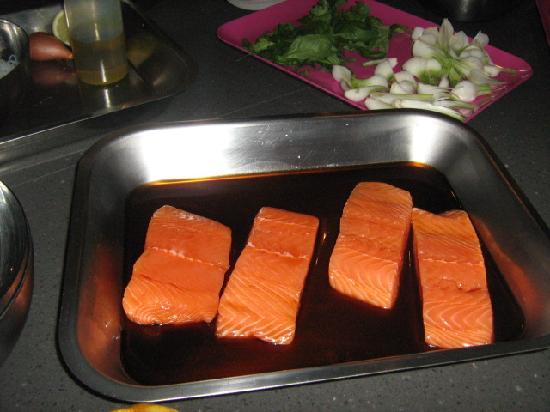 Paris, Frankreich: Le saumon tériyaki