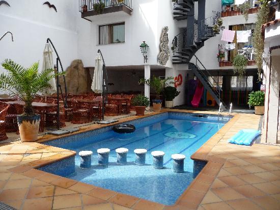 Hotel Neptuno & Apartments : hotel