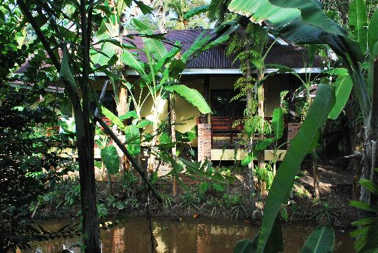 Sunda Resort: The canal below..