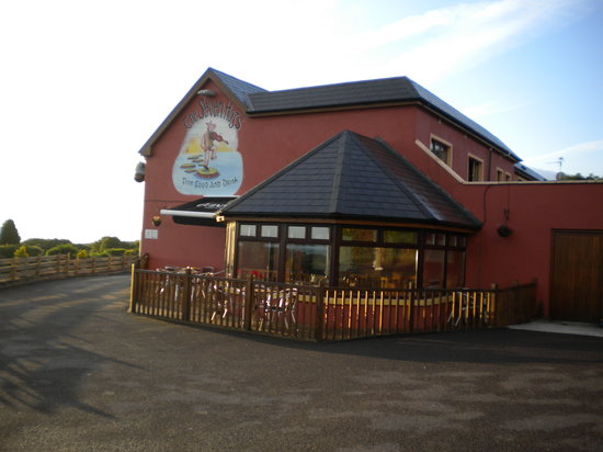 Tralee Bay Holiday Village: The Seven Hogs Pub/Restaurant