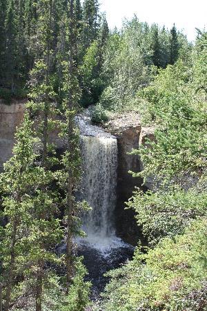 Twin Falls Territorial Park : Escarpment Creek Falls