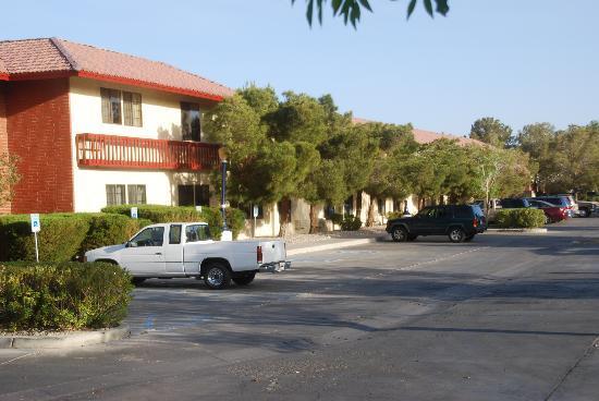 Heritage Inn & Suites: Außenansicht