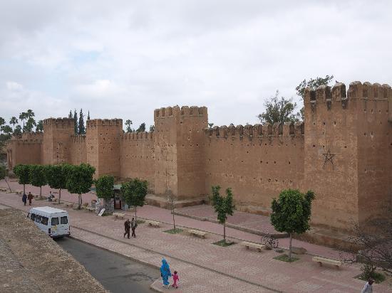 Riad Maia: Die Stadtmauer