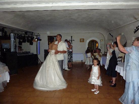 Hostellerie du Moulin de la Sambuc: lors du mariage piste où l'on dansait
