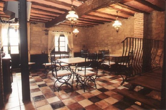 Navaridas, Испания: The breakfast and lobbyroom.