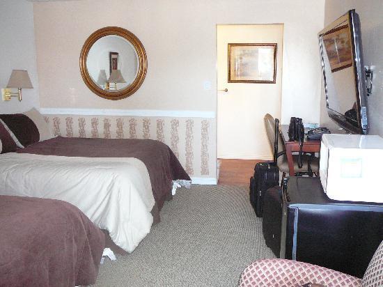 Sage Motel: Big flatscreen!