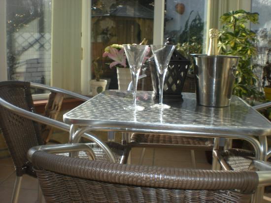 Duddingston View Bed & Breakfast: Conservatory