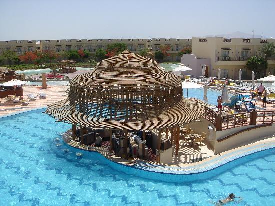 Concorde El Salam Front Hotel : **