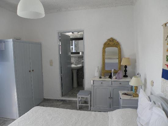 Αλοπρόνοια, Ελλάδα: room
