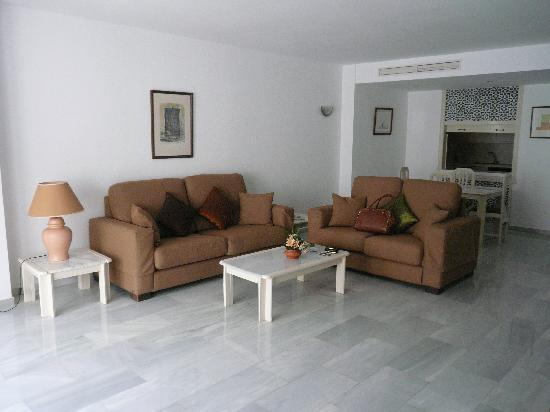 Benabola Hotel & Apartments : Living Area