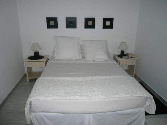 Benabola Hotel & Apartments : Bedroom