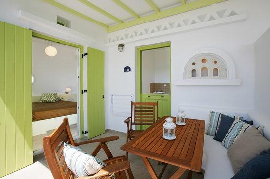 Porto Raphael Residences & Suites: veranda