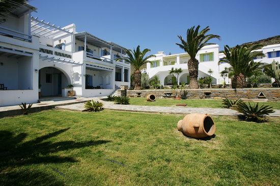 Porto Raphael Residences & Suites: garden