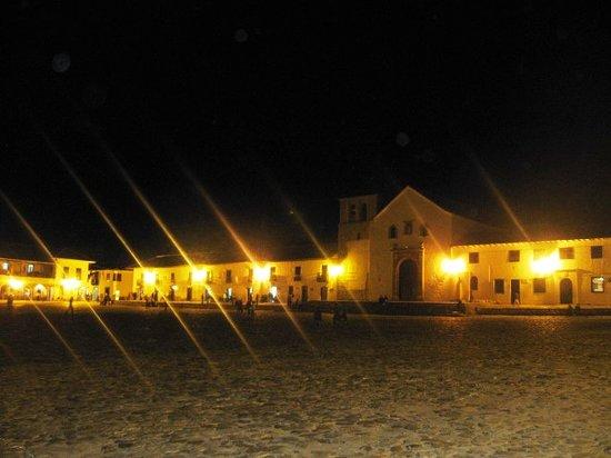 Hotel Boutique Iguaque Campestre: villa de leyva de noche