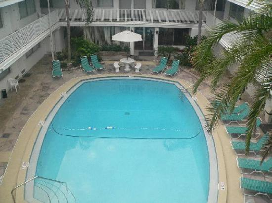 Sandalwood Beach Resort: Courtyard pool view from Unit 355