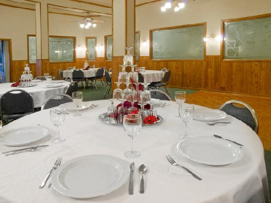 Historic Cary House Hotel: Banquet and meeting room for receptions,corporate meetings, birthdays