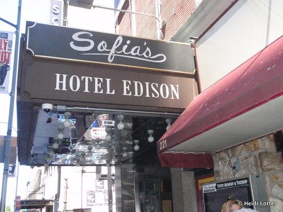 Sofia's Restaurant : Entree to restaurant