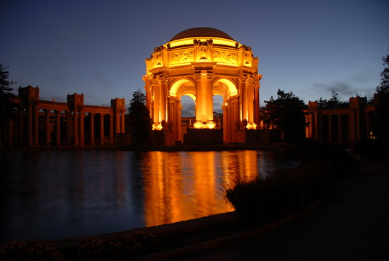‪Palace of Fine Arts Theatre‬