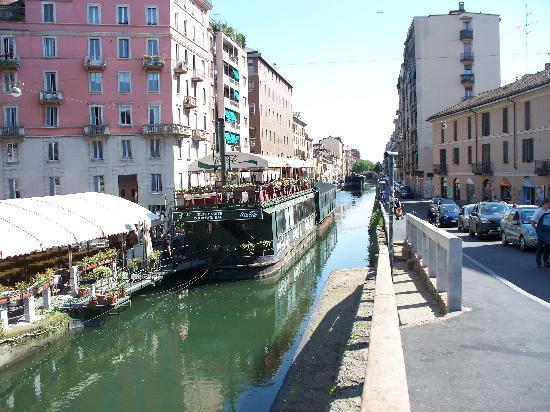Barrio Navigli: ristoranti galleggianti